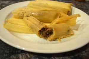 smoked pork shank, rum cake, tamales, dance, christmas 132